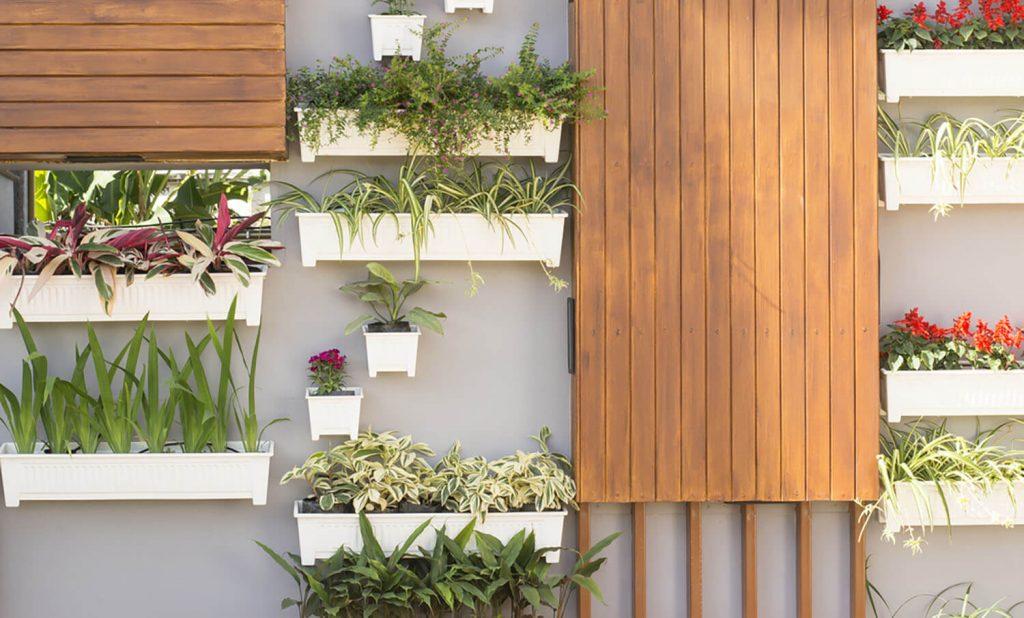 Jardines verticales con macetas