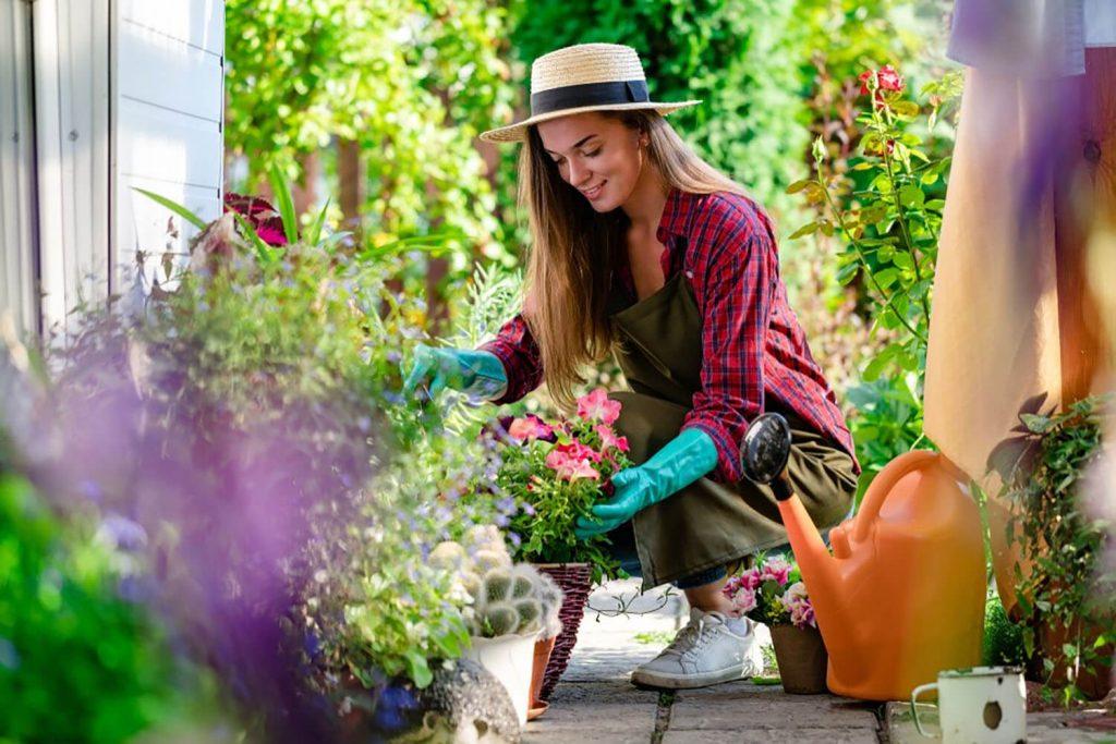 <center><b>Jardines con encanto: 6 pasos para convertir tu jardín en un cuento de hadas</center></b> 2