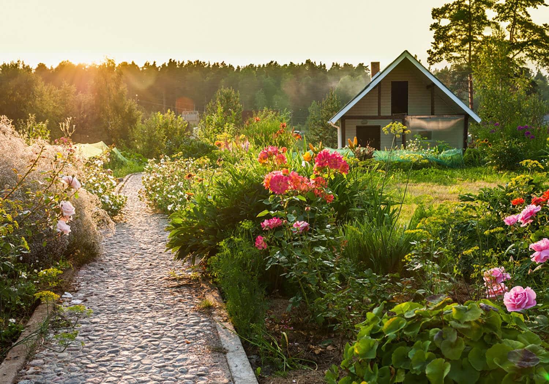 <b><center>Lo natural toma fuerza en jardines rústicos con piedras</b></center> 1