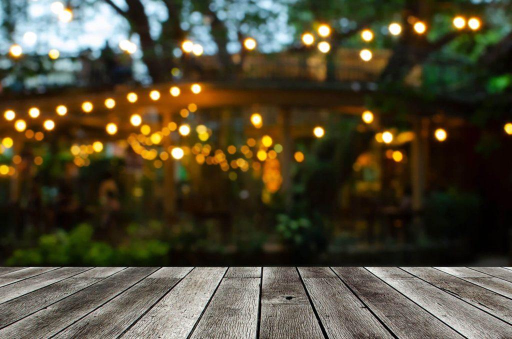 decorar jardines con encanto